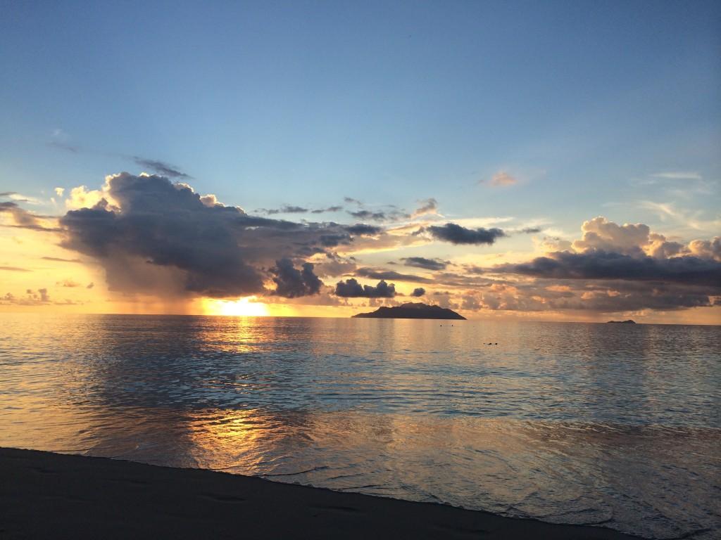 Закат на Сейшелах, Бо Валлон