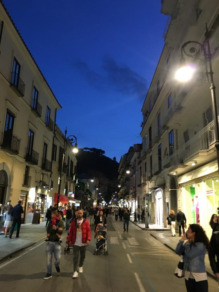 Улицы вечернего Сорренто