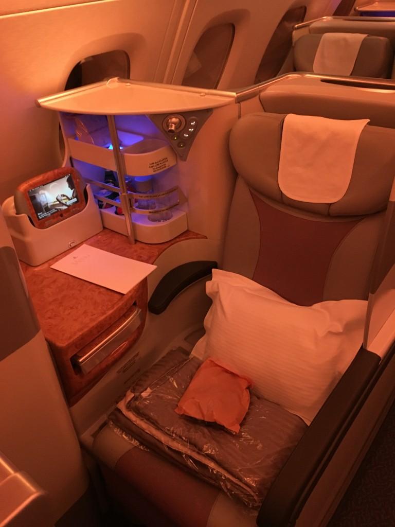 Кресло бизнес класса Emirates A380
