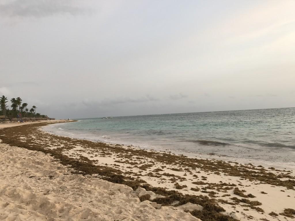 Пляж Баваро в 5 утра