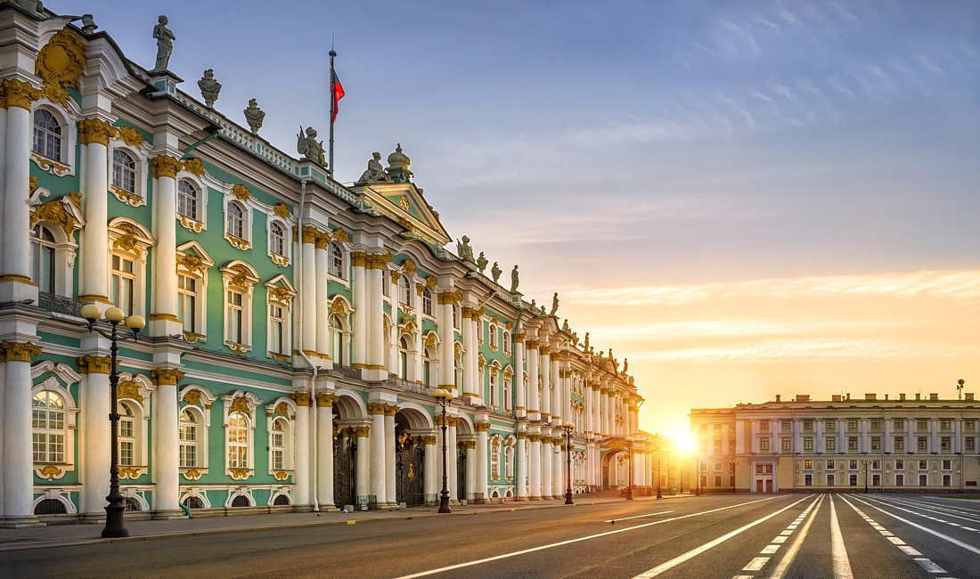Самостоятельный обзор Санкт-Петербурга с удобствами в кругу близких друзей
