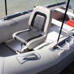 Поворотные кресла в лодку: виды и особенности установки